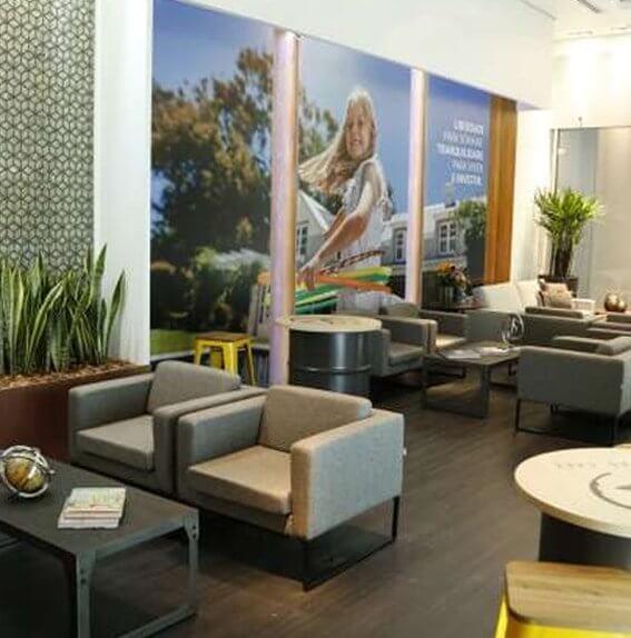 Lounge permanente da Flórida Lounge para dúvidas sobre imóveis na Flórida